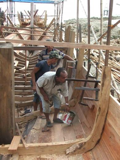 Kapal ikan dibuat di Aceh Selatan