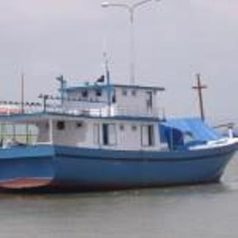 Kapal ikan di Surabaya