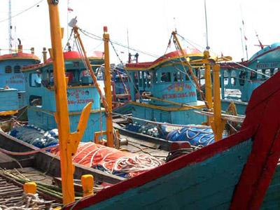 Kapal ikan di Sambas, dengan Produksi hasil tangkapan ikan laut tertinggi se-Kalimantan Barat