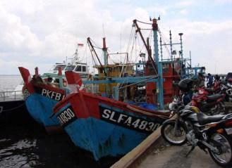 Kapal ikan ilegal Malaysia didenda dan dilelang