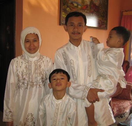 Saya, istri, kakak, adik